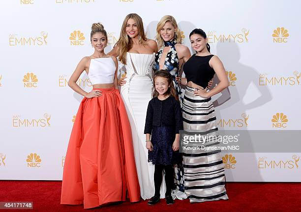 66th ANNUAL PRIMETIME EMMY AWARDS Pictured Actresses Sarah Hyland Sofia Vergara Julie Bowen Aubrey AndersonEmmons and Ariel Winter winners of...