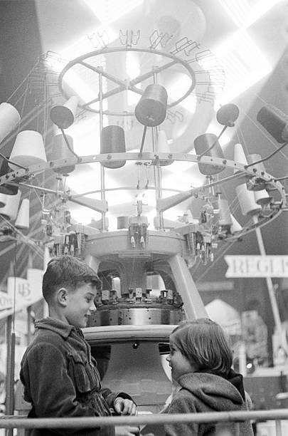 6Th Childhood Fair 1953. Paris, novembre 1953, le 6ème Salon de l ...