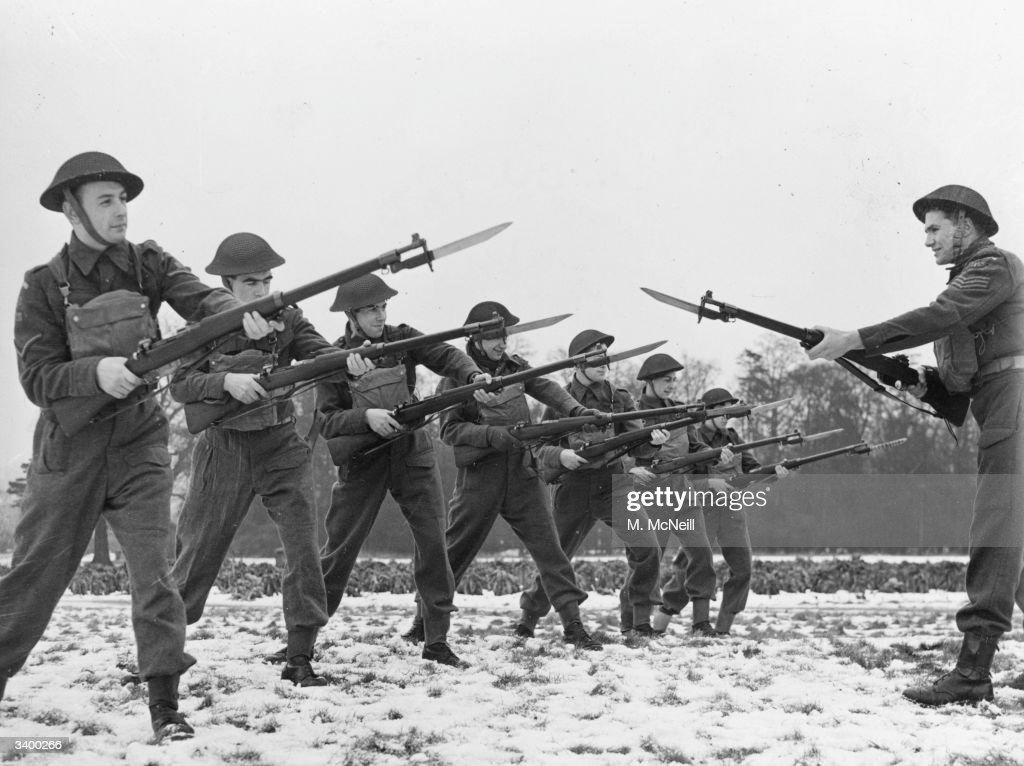 Bayonet Drill : News Photo