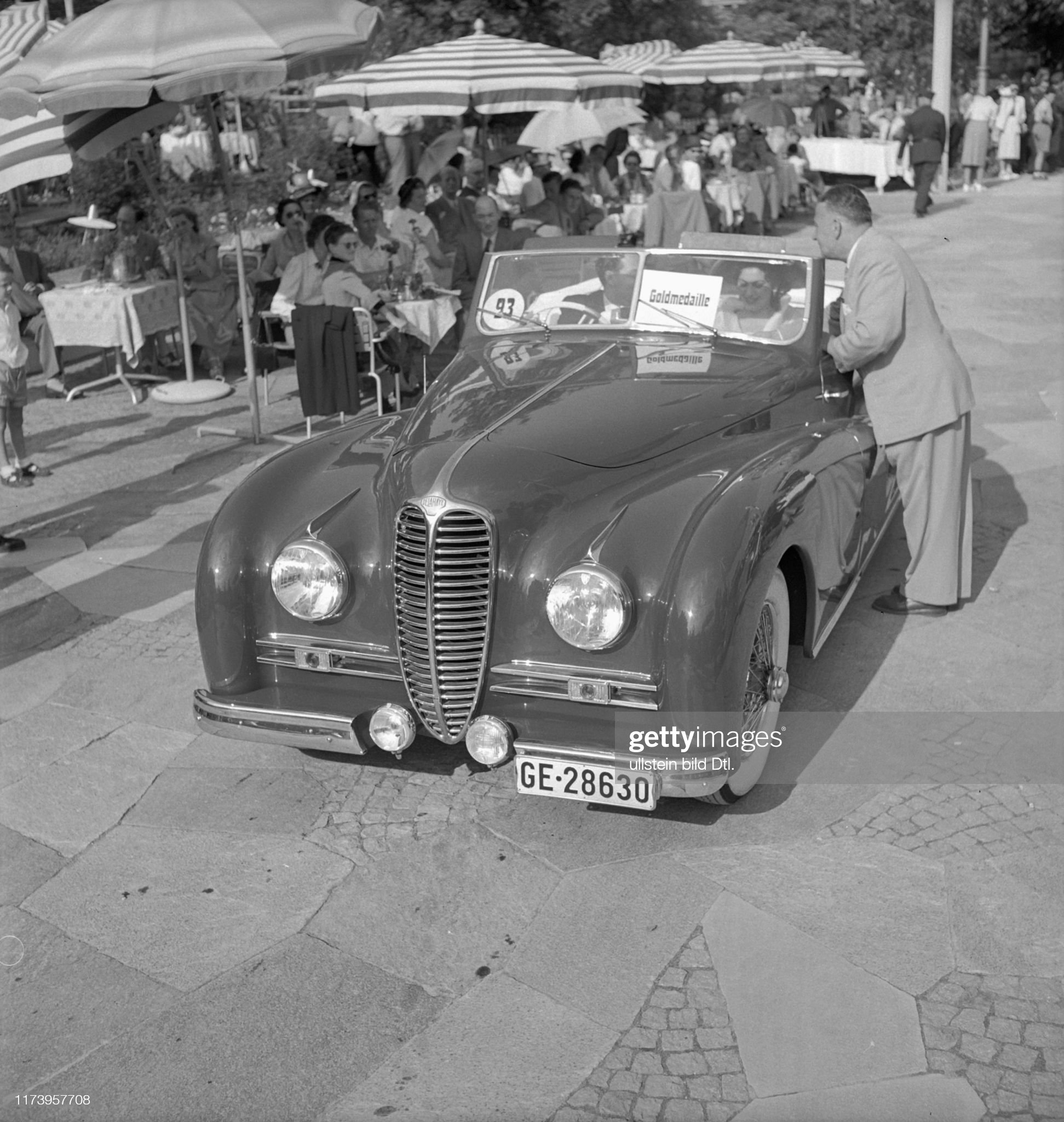 6th International car model beauty contest, Lucerne 1951: Delahaye 1950 : News Photo
