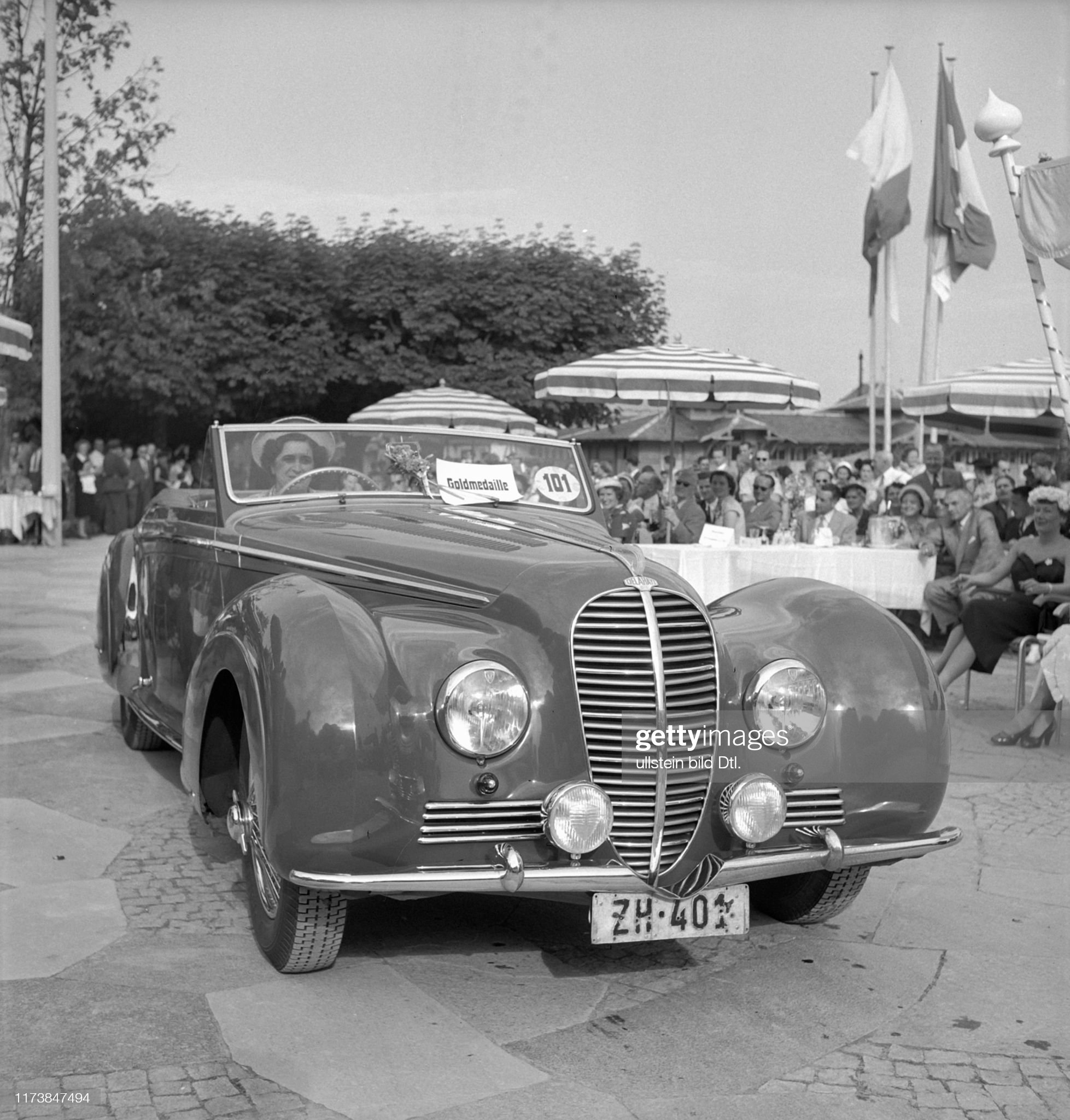 6th International car model beauty contest, Lucerne 1951: Delahaye 1950/51 : News Photo