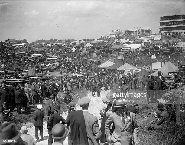 Crowd on the downs at Epsom on Derby Day.