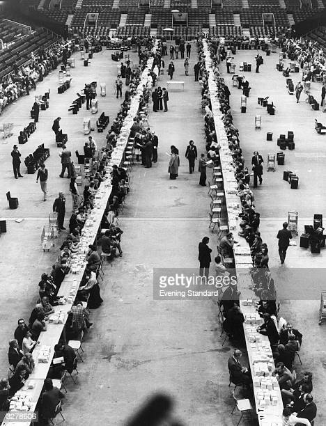 Counting the votes after the Referendum ballot on entry of the Common Market