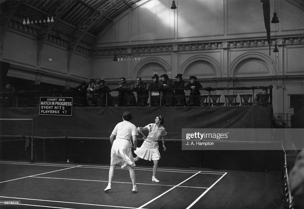 Badminton Match : News Photo