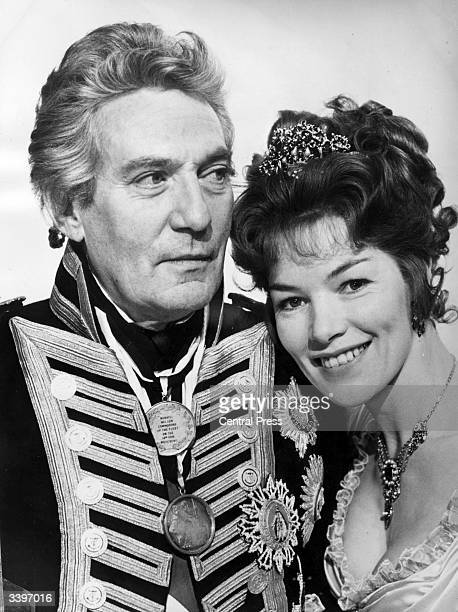 Actress Glenda Jackson and Peter Finch in costume as Lord Nelson and Lady Hamilton for the Hal Wallis production 'A Bequest To The Nation'