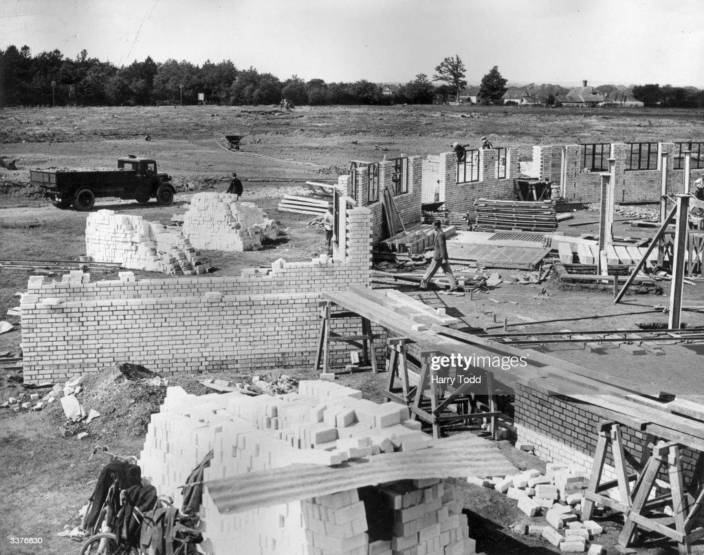Gatwick Construction : News Photo