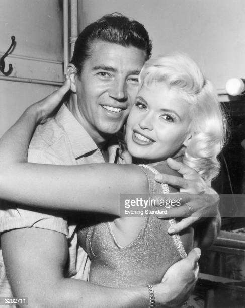 American actress Jayne Mansfield with her husband, the Hungarian actor Mickey Hargitay.