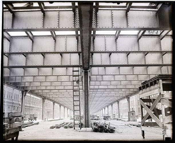 UNS: Bettmann Moments-Building New York City