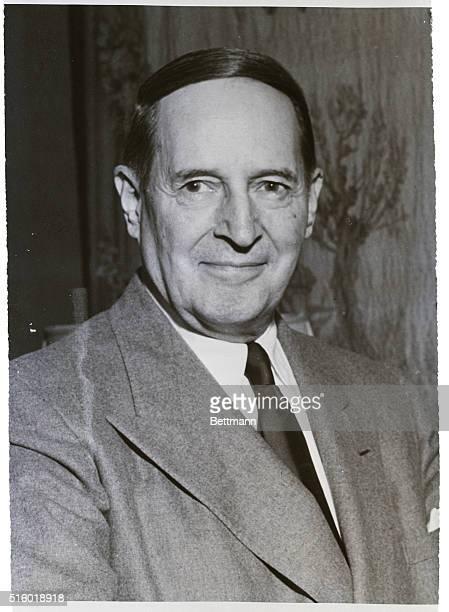 7/1957General Douglas MacArthur in portrait