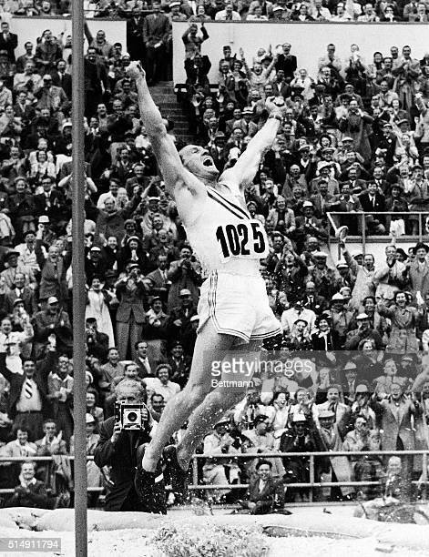 7/24/1952Helsinki Finland Rev Bob Richards pole vaulter of La Verne California jumps for joy after winning the final in the pole vault event at...