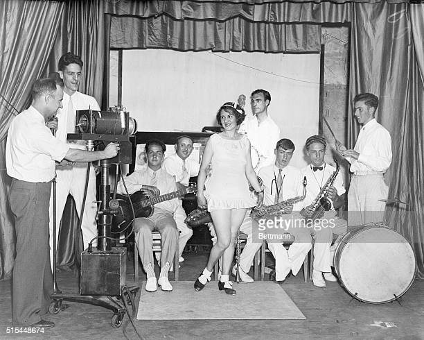 7/30/35Philadelphia Pennsylvania In an effort to test the feasability of television in the home a demonstration over a wire unit and radio unit was...