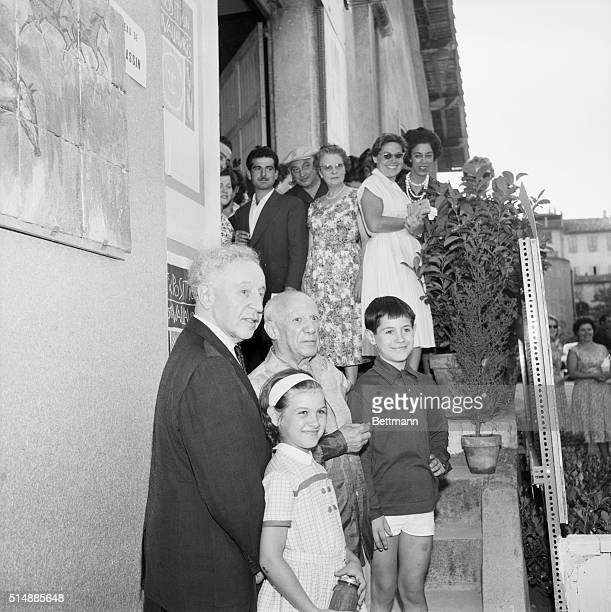 7/30/58Vallauris France Pianist Arthur Rubinstein is shown with Pablo Picasso on the occasion of Rubenstein's visit to the artist's home in Vallauris...