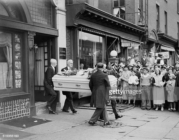 7/3/1933New York NY The slain Mrs Jack Diamond's casket is carried from a Brooklyn undertaking establishment