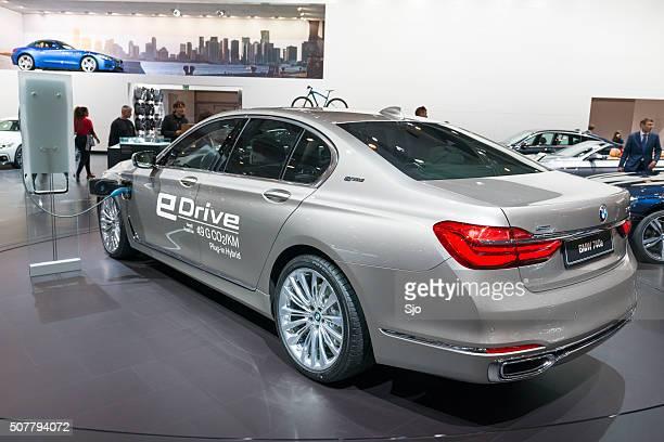 bmw 740e 7 series luxury plug-in hybrid limousine car - bmw bildbanksfoton och bilder