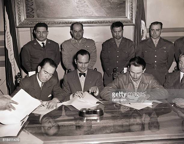 7/4/1954San Salvador El Salvador The scene in the ceremonial hall of El Salvador's Presidential House as the peace treaty was signed ending the...