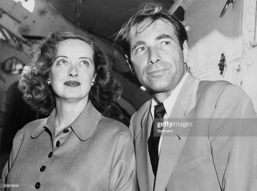 Bette Davis and Gary Merrill : News Photo