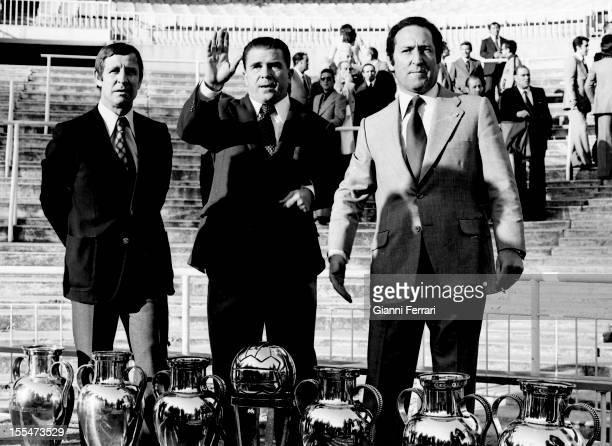 75th Anniversary of Real Madrid: Raymond Kopa, Fderenc, Puskas and Paco Gento in Santiago Bernabéu Stadium, with six European Cups Madrid, Castilla...