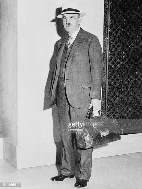 7/9/32Cleveland Ohio Professor John Dewey Columbia University philosopher founder and chairman of the League for Independent Political Action whose...