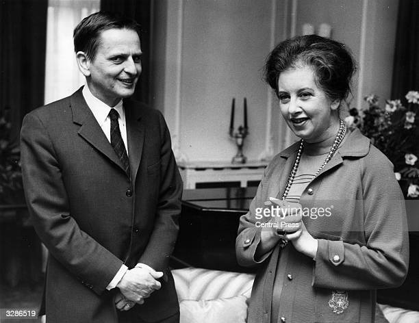 Olof Palme Prime Minister of Sweden and leader of the Social Democratic Party with the minister for Overseas Development Judith Hart in London