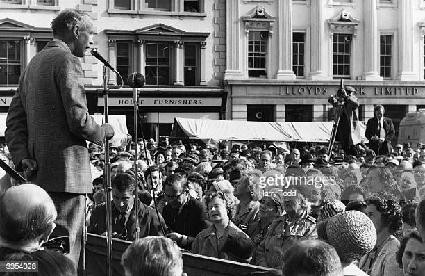 British Prime Minister Sir Alec Douglas-Home speaking in Beford where Christopher Soames is conducting his election campaign from a hospital bed...