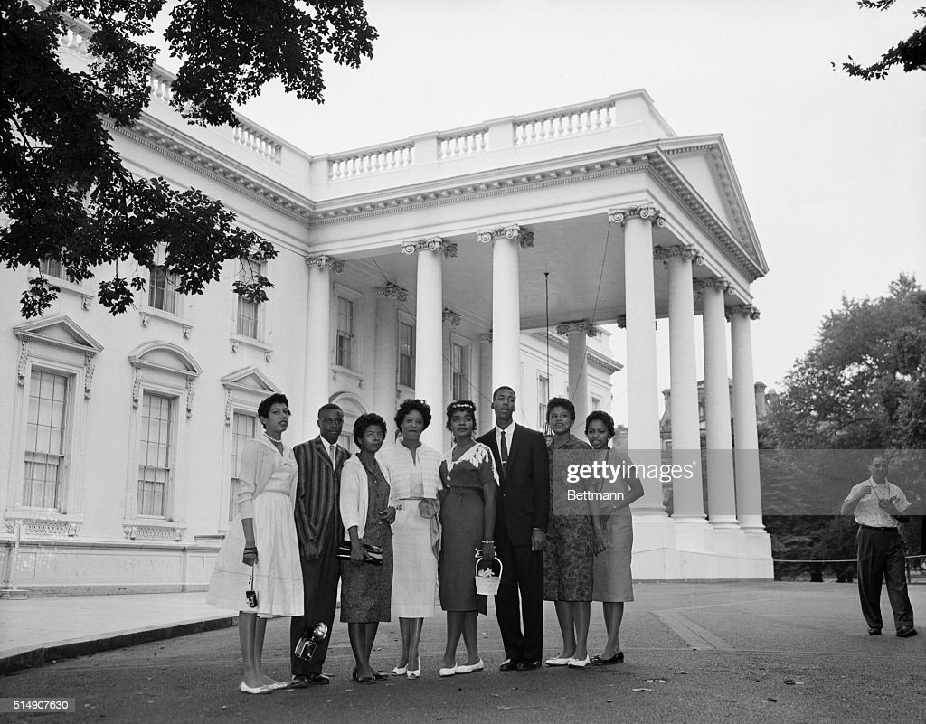 Students Shown at White House : News Photo