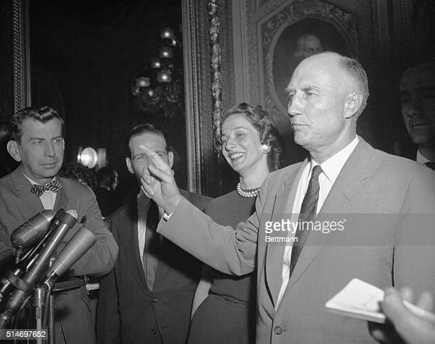 Washington: Senator Strom Thurmond is mobbed by reporters as he steps from the Senate Chamber after ending his 24-hour, 18-minutes talkathon against...