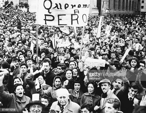 8/31/1955Buenos Aires ArgentinaAn imposing crowd of workers flooded the Plaza de Mayo to manifest their support of President Juan Peron who had...