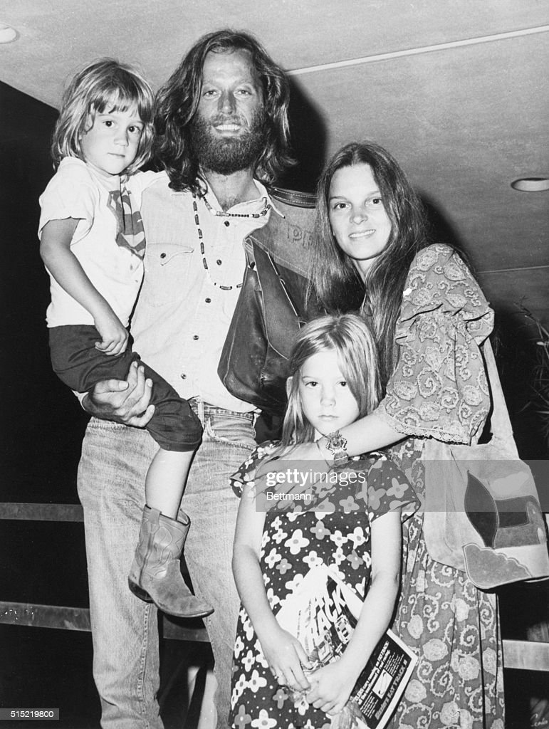 Peter Fonda with His Family, 1971 : News Photo