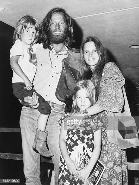8/5/1971New York NYAll smiles Peter Fonda arrives in New York with his family to participate in promotional activities for Universal's The Hired Hand...