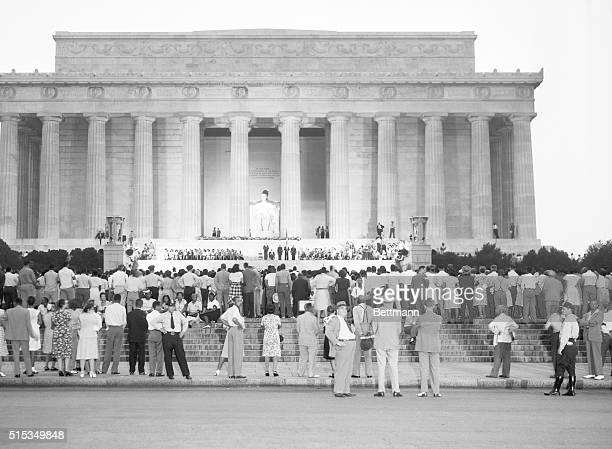 8/6/46Washington DC Members of 50 Washinton Negro organizations veterans' groups and unions marched to the Lincoln Memorial in Washington August 5 to...