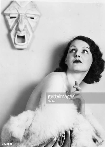 British film actress Elizabeth Allan in a dramatic pose