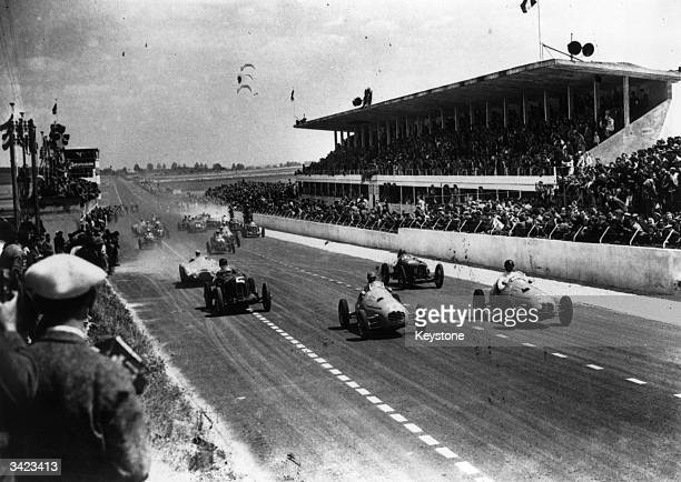 The start of the small cylinder car Grand Prix of Reims France won by Prince Bira