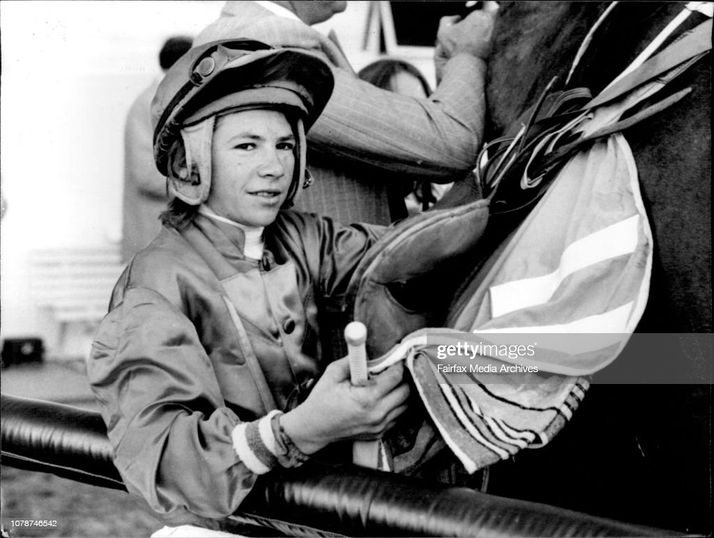8th Race Rosehill - Crane Brook Hcp.  Jockey W. Harris. : News Photo
