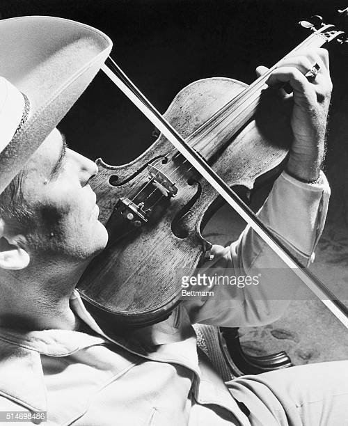 """Hollywood, CA: Practicly knoking them dead in the aisles, """"Bob Wills and his Texas Playboys"""", recently drew 19,500 costomers to hear his music at a..."""