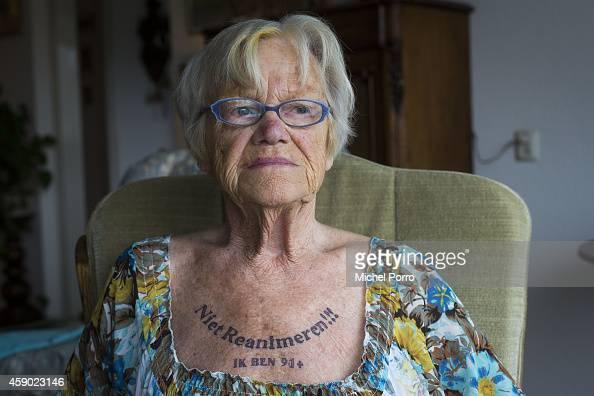 91-one-year Old Nel Bolten Has A Tattoo On Her Chest That