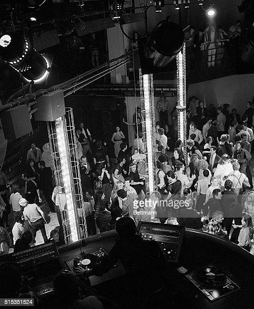 Floor 54: World's Best Studio 54 Stock Pictures, Photos, And Images