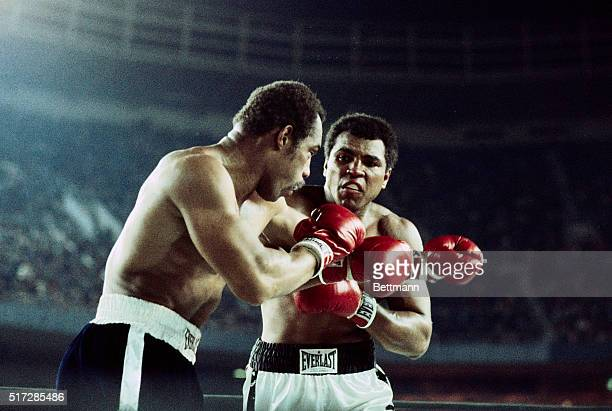 New York City: Full length view of the boxing action in the Muhammad Ali-Ken Norton Heavyweight Championship title bout. UPI color slide.