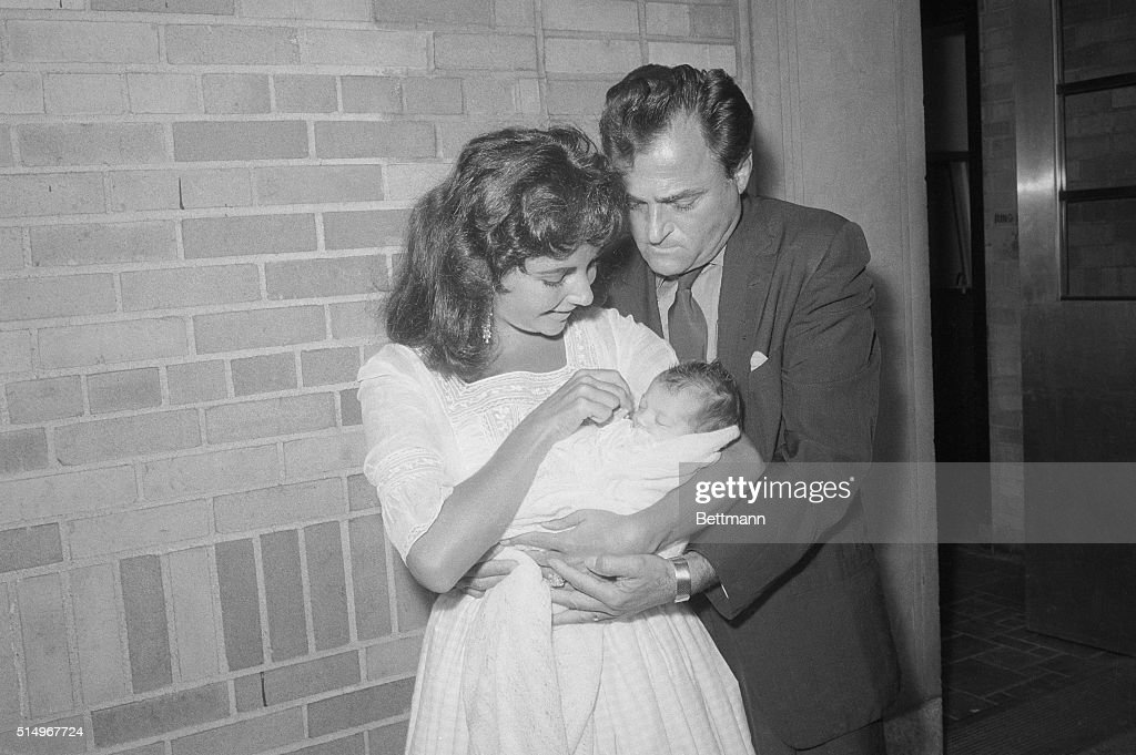 Elizabeth Taylor and Mike Todd with Daughter : News Photo