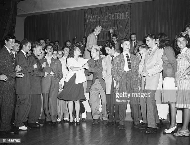 9/5/1942Washington DC These are some representative examples of that amazing new creation the zoot suit worn by all bona fide jitterbugs The WBP cast...