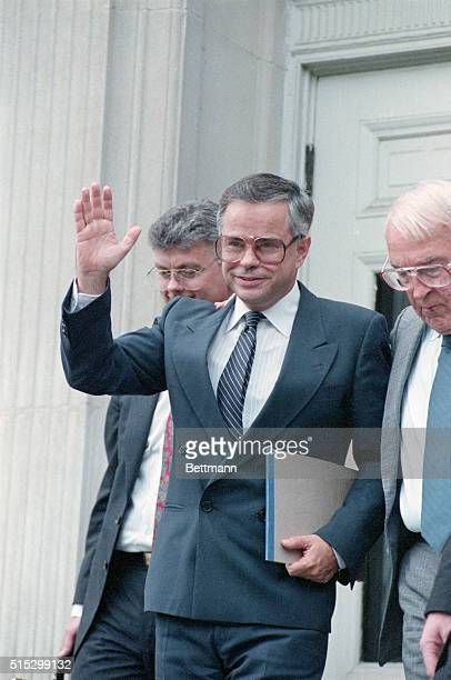 9/6/1989Charlotte North Carolina A smiling Jim Bakker waves to supporters as he leaves Federal Court Bakker's fraud and conspiracy trial resumed...