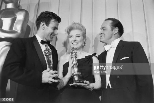 EXCLUSIVE LR Austrian actor Maximilian Schell and Britishborn actor Greer Garson hold as Britishborn comedian and Oscars host Bob Hope looks on...