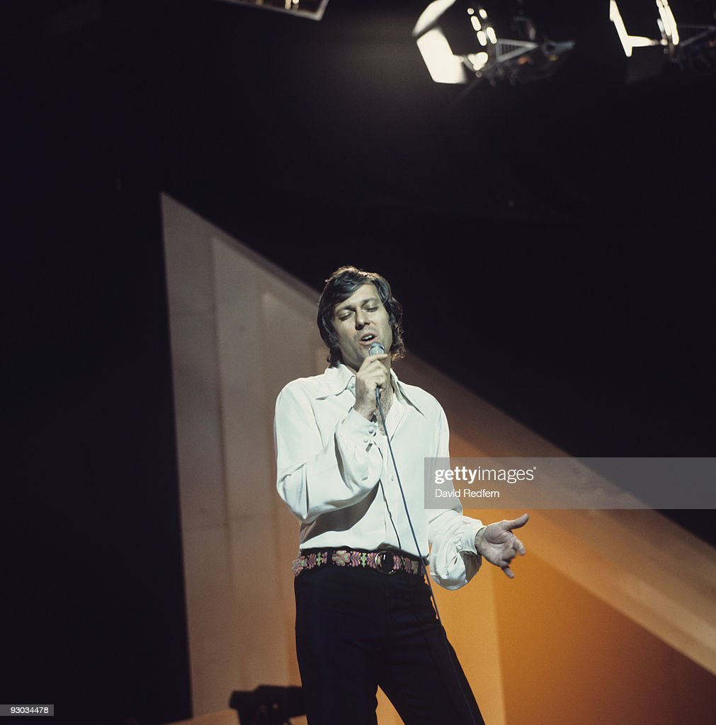 Jack Jones Performs On Stage : News Photo