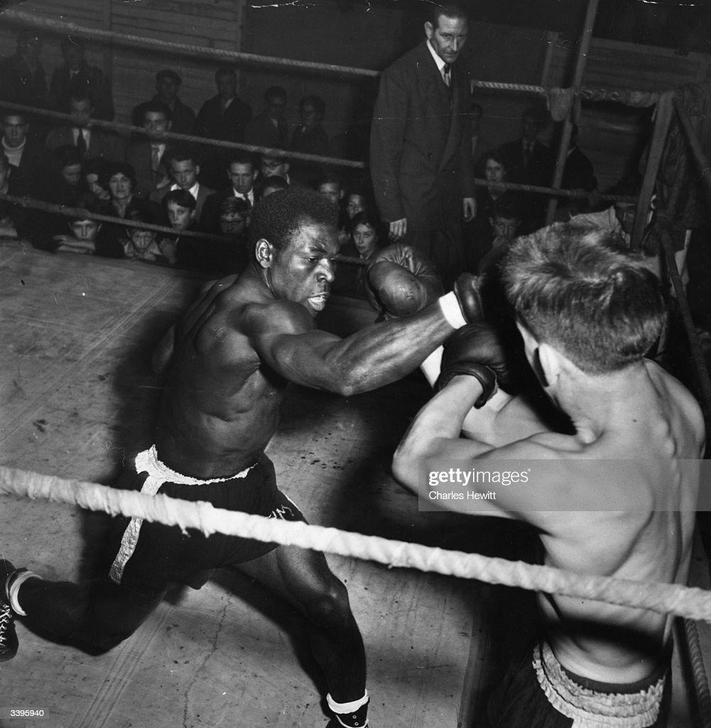 Boxing Fair : News Photo