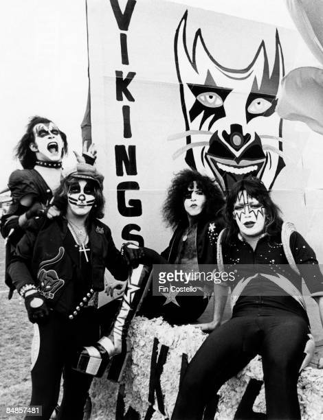 Photo of Gene SIMMONS and KISS and Peter CRISS and Paul STANLEY and Ace FREHLEY LR Gene Simmons Peter Criss Paul Stanley Ace Frehley posed group shot...