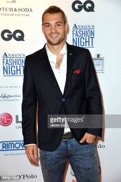 ANSONS _Fashion Night_in Hamburg Mönkebergstrasse PierreMichel Lasogga ist ein deutscher Fußballspieler beim Hamburger SV