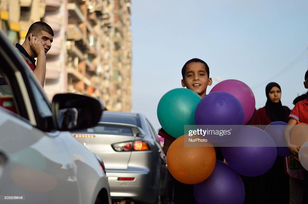 Top Child Eid Al-Fitr Feast - a-child-carry-balloons-that-he-collect-at-the-celebration-people-eid-picture-id525326646?k\u003d6\u0026m\u003d525326646\u0026s\u003d612x612\u0026w\u003d0\u0026h\u003dDkt5n2qjKvNFCVt872Y2Fxz41xxDn75-_DccXw_GSz0\u003d  2018_431462 .com/photos/a-child-carry-balloons-that-he-collect-at-the-celebration-people-eid-picture-id525326646?k\u003d6\u0026m\u003d525326646\u0026s\u003d612x612\u0026w\u003d0\u0026h\u003dDkt5n2qjKvNFCVt872Y2Fxz41xxDn75-_DccXw_GSz0\u003d