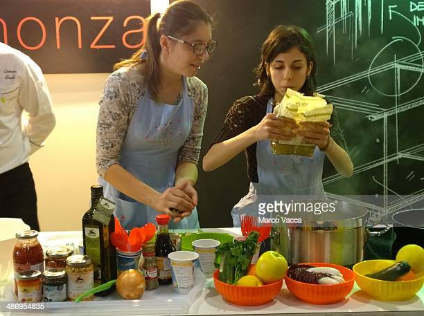 a cooking contest at bio fair in Milano