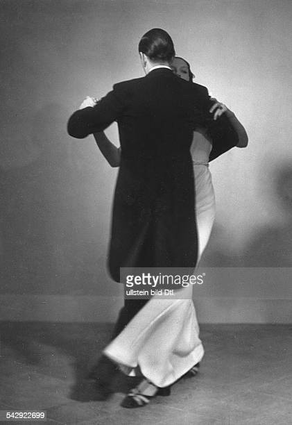 a couple dances the 'English Waltz' Picture by Karl Schenker 1932