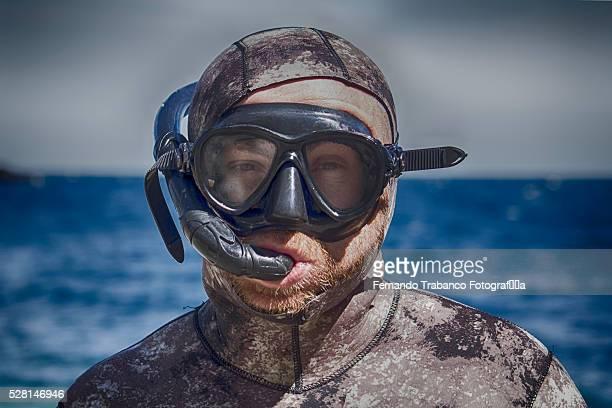 a diver portrait - scuba mask stock pictures, royalty-free photos & images