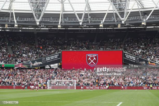 A general view during the Premier League match between West Ham United and Crystal Palace at London Stadium on August 28, 2021 in London, England.